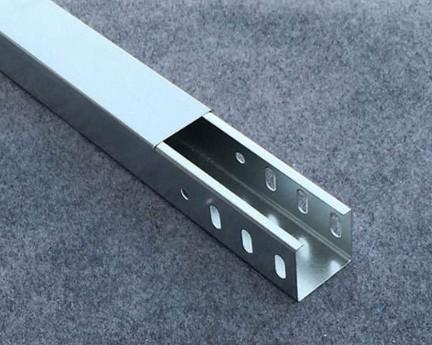 金属线槽、金属桥架、封闭母线安装做法